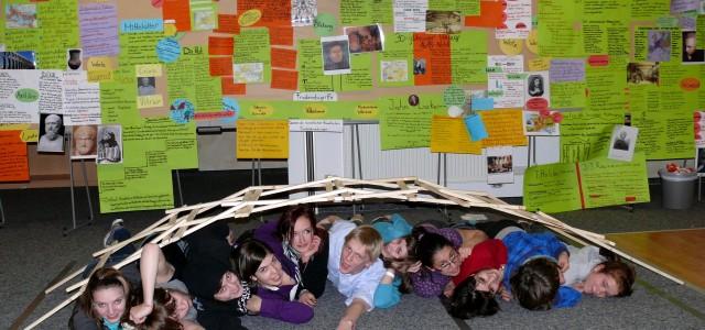 """Една статия на Надежда Тодорова, 11 ж клас за участие на ученици от гимназията   в международен семинар в Германия. """"Какво ще стане с атомните централи? """", """"Как ще […]"""